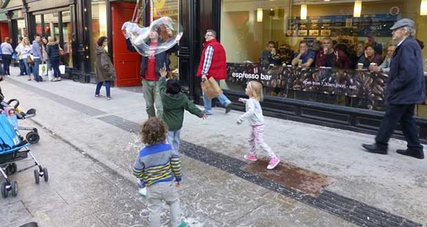 The bubble man on Grafton Street in Dublin attracts a youthful crowd. (All photos: Jim Motavalli)