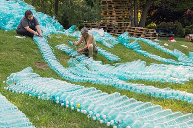 Largest-Plastic-Bottles-Structure-In-The-World