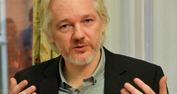 Assange-says-Google-works-like-NSA