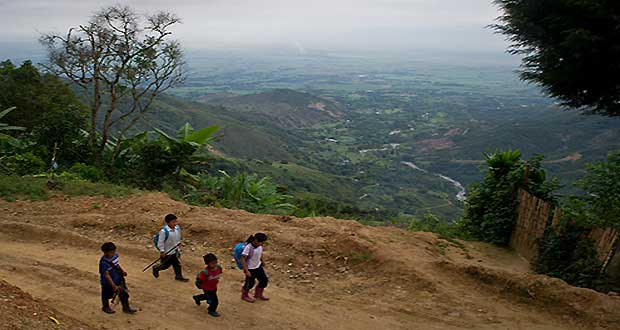 Fearless-kids-and-their-extreme-journeys-to-school-2