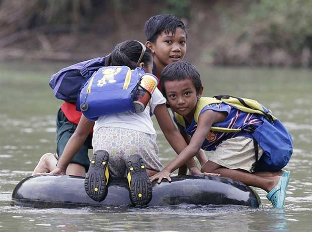 Fearless-kids-and-their-extreme-journeys-to-school-3