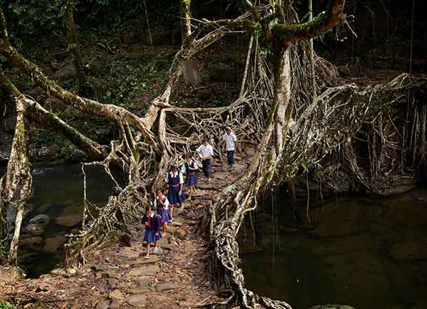Fearless-kids-and-their-extreme-journeys-to-school-5