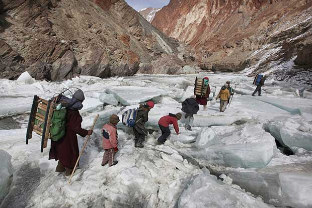 Fearless-kids-and-their-extreme-journeys-to-school-8
