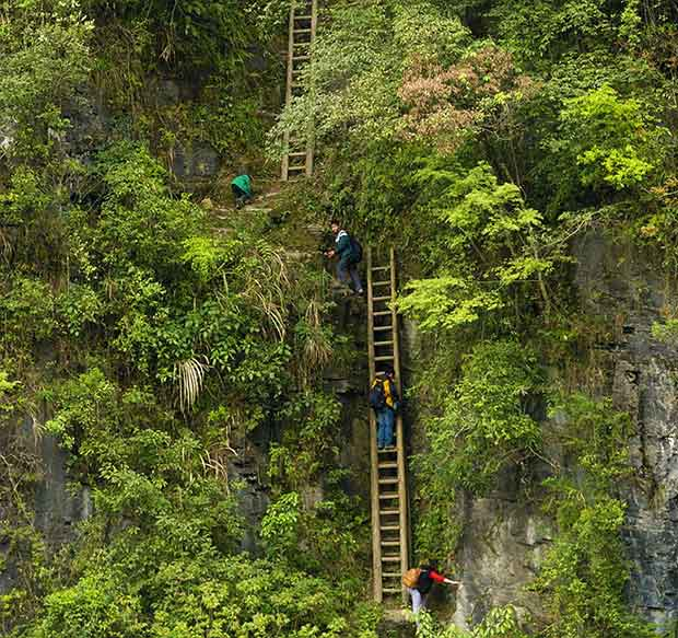 Fearless-kids-and-their-extreme-journeys-to-school-9