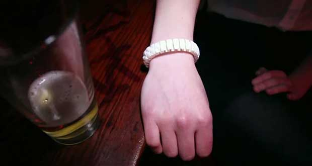 This-Wristband-Knows-If-Youre-Too-Drunk-To-Function