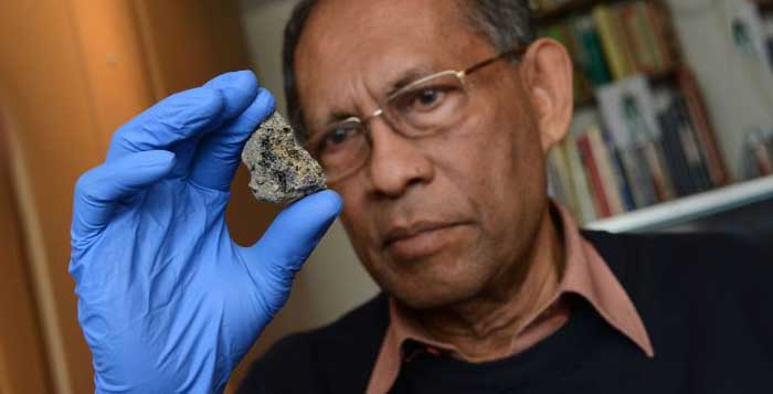 Archaeologists-Discover-5000-Year-Old-Egyptian-Artifacts-That-Came-From-Space