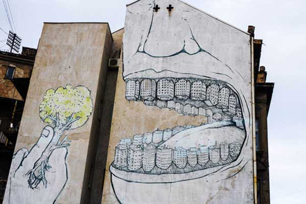 Street-Art-Images-Testify-Uncomfortable-Truths-y5