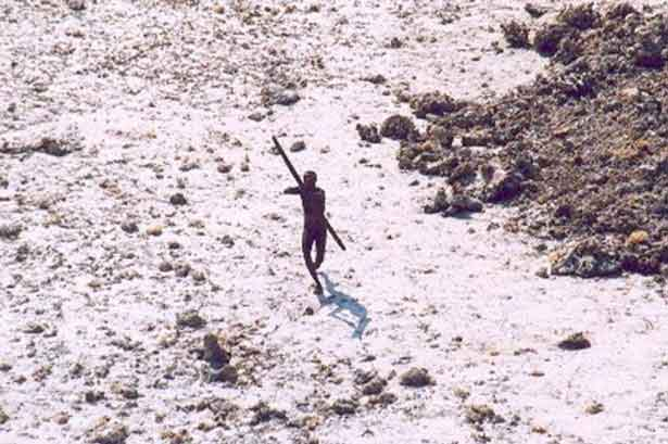 The-Sentinelese-tribe-Mysterious-island-is-home-to-60,000-year-old-community