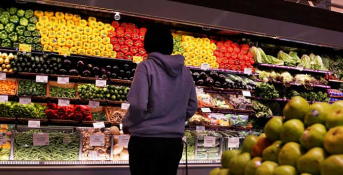 French MPs propose forcing supermarkets to hand over all unsold food to charity