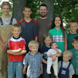 Police-Abduct-10-Children-From-Kentucky-Family-Because-Of-Off-The-Grid-Lifestyle2