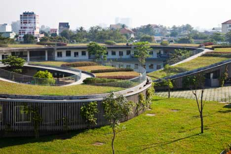 New-School-In-Vietnam-Has-Massive-Garden-On-Its-Roof-And-Teaches-Sustainability-5