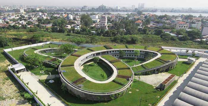 New-School-In-Vietnam-Has-Massive-Garden-On-Its-Roof-And-Teaches-Sustainability-6