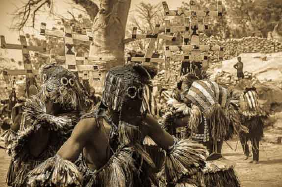 15-Incredible-Images-Of-The-Mysterious-Dogon-Tribe-1