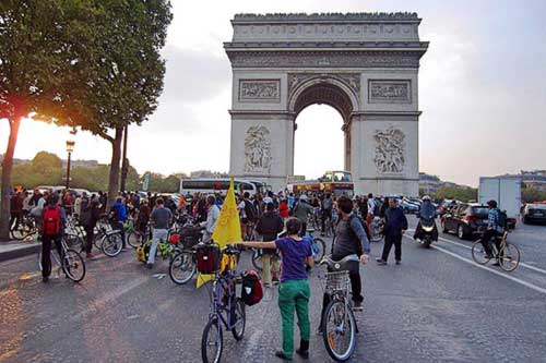 Paris Now Has A Monthly No Car Day That Brings A 40 Drop In Air Pollution 1