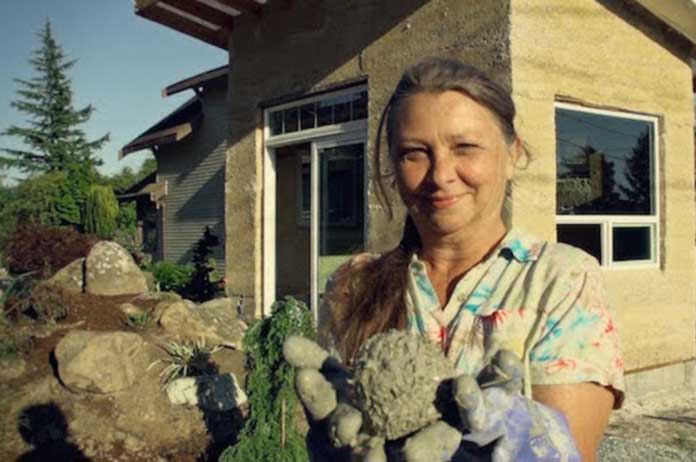 Pioneering Grandma Building Tiny Sustainable Homes Out of Hemp 1