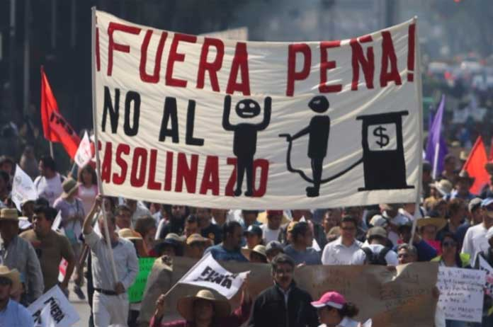 Protests in Mexico Push Country to Brink of Rev