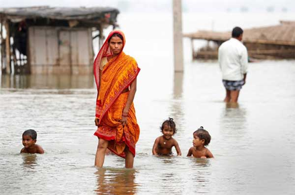 Disturbing Photos Of The Flooding In South Asia No One Is Talking About 3