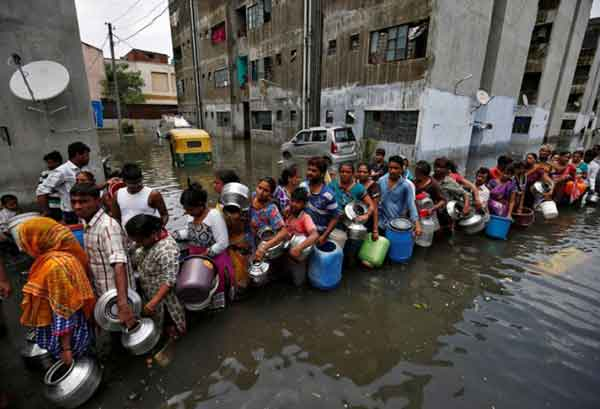 Disturbing Photos Of The Flooding In South Asia No One Is Talking About 6
