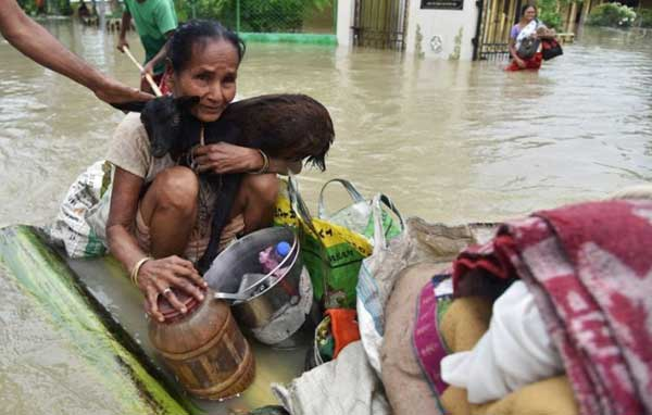 Disturbing Photos Of The Flooding In South Asia No One Is Talking About 10
