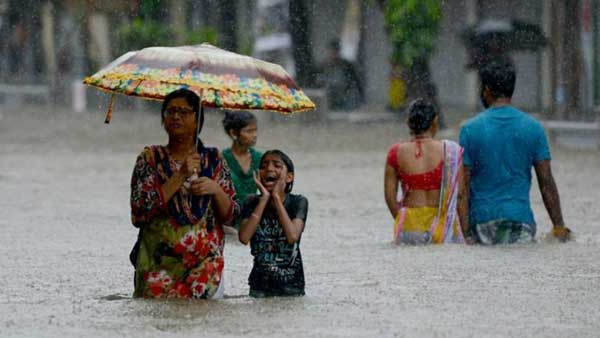 Disturbing Photos Of The Flooding In South Asia No One Is Talking About 19